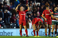 Tom Woolstencroft of Saracens celebrates at the final whistle. Gallagher Premiership match, between Leicester Tigers and Saracens on November 25, 2018 at Welford Road in Leicester, England. Photo by: Patrick Khachfe / JMP