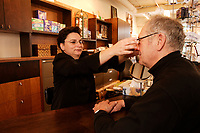 2005 file photo- model released -  Fitting of prescription glasses