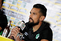 CALI - COLOMBIA, 13-06-2017: Andres Perez, jugador del Cali, durante rueda de prensa previo al partido de ida  entre el Deportivo Cali y Atlético Nacionali por la final de la Liga Aguila I 2017 a jugarse en el estadio Palmaseca de Cali. / Andres Perez, player of Cali, during the press conference prior the first leg match between Deportivo Cali and Atletico Nacional for the final of the Aguila League I 2017 that to be held at Palmaseca stadium in Cali.  Photo: VizzorImage/ Nelson Rios /Cont