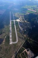 Flugplatz Parchim: EUROPA, DEUTSCHLAND, MECKLENBURG- VORPOMMERN, (EUROPE, GERMANY), 02.05.2008:Flugplatz Parchim, China, Geschaeft, Unbezahlte Rechnung, Luftverkehr, Cargo, Boing 747, Landebahn, Startbahn, flaches Land,  Aufwind-Luftbilder, Luftbild, Luftaufname, Luftansicht.c o p y r i g h t : A U F W I N D - L U F T B I L D E R . de.G e r t r u d - B a e u m e r - S t i e g 1 0 2, .2 1 0 3 5 H a m b u r g , G e r m a n y.P h o n e + 4 9 (0) 1 7 1 - 6 8 6 6 0 6 9 .E m a i l H w e i 1 @ a o l . c o m.w w w . a u f w i n d - l u f t b i l d e r . d e.K o n t o : P o s t b a n k H a m b u r g .B l z : 2 0 0 1 0 0 2 0 .K o n t o : 5 8 3 6 5 7 2 0 9.C o p y r i g h t n u r f u e r j o u r n a l i s t i s c h Z w e c k e, keine P e r s o e n l i c h ke i t s r e c h t e v o r h a n d e n, V e r o e f f e n t l i c h u n g  n u r  m i t  H o n o r a r  n a c h M F M, N a m e n s n e n n u n g  u n d B e l e g e x e m p l a r !.