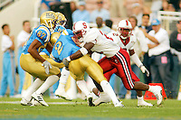 O.J. Atogwe during Stanford's 28-18 loss to UCLA on October 26, 2002 in Los Angeles, CA.<br />