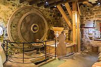 France, Bretagne, (29), Finistère, Cap Sizun, Beuzec-Cap-Sizun: Moulin de Kériolet, ce moulin a eau se trouve dans le vallon du Kériolet dans la zone protégée de la pointe du Millier - Ce moulin produit de la farine de blé noir et sarrazin // France, Brittany, Car Sizun, Beuzec Cap Sizun:  Kériolet mill, this water mill is in the Kériolet valley in the protected area of Pointe du Millier - This mill produces flour buckwheat and buckwheat