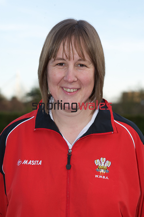 Commonwealth Games Wales Bowls Team..Anwen Butten.08.04.10.©Steve Pope.The Manor .Coldra Woods.Newport.South Wales.NP18 1HQ.07798 830089.01633 410450.steve@sportingwales.com.www.fotowales.com.www.sportingwales.com
