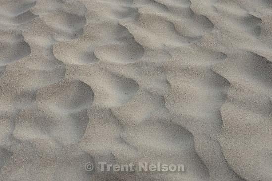 patterns in sand, Pfeiffer beach; 6.12.2005<br />