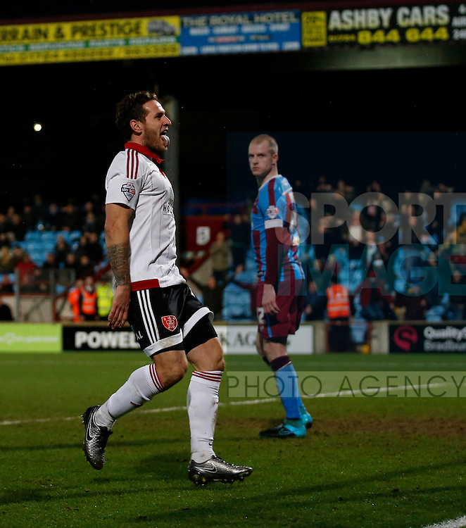 Billy Sharp of Sheffield Utd celebrates scoring the winning goal - English League One - Scunthorpe Utd vs Sheffield Utd - Glandford Park Stadium - Scunthorpe - England - 19th December 2015 - Pic Simon Bellis/Sportimage