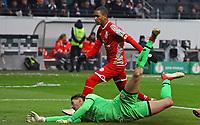 Rene Adler (1. FSV Mainz 05) geschlagen beim Tor zum 2:0 - 07.02.2018: Eintracht Frankfurt vs. 1. FSV Mainz 05, DFB-Pokal Viertelfinale, Commerzbank Arena