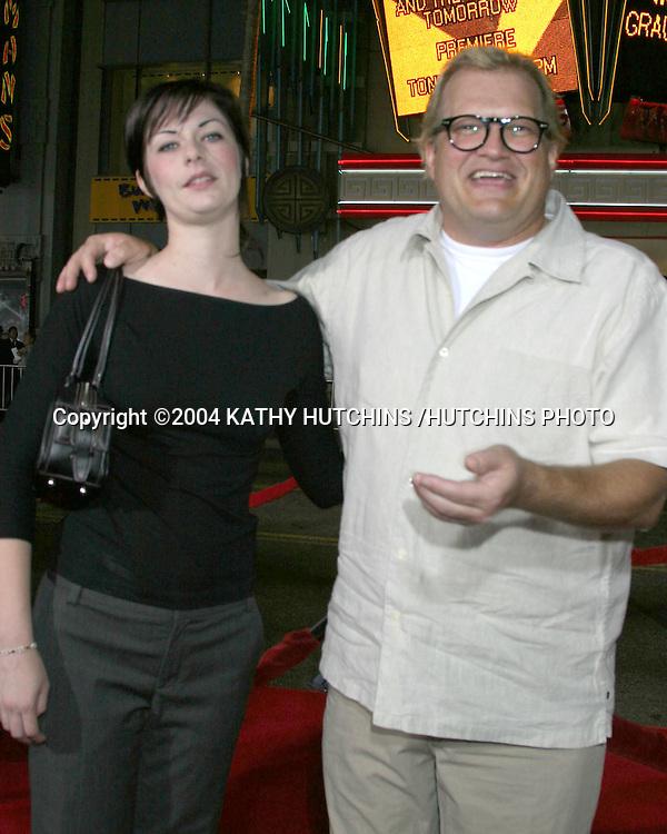 ©2004 KATHY HUTCHINS /HUTCHINS PHOTO.SKY CAPTAIN AND THE WORLD OF TOMORROW PREMIERE.HOLLYWOOD, CA.SEPTEMBER 14, 2004..DREW CAREY.BRANDI HUDSON