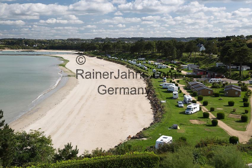 France, Brittany, Département Finistère, Locquirec: Camping du Fond de la Baie campsite and beach | Frankreich, Bretagne, Département Finistère, Locquirec: Campingplatz Camping du Fond de la Baie mit Strand