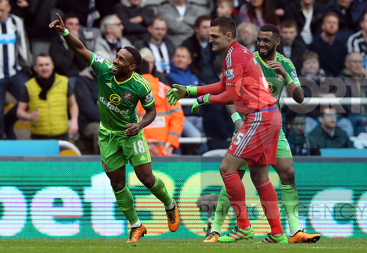 Sunderland's Jermain Defoe celebrates his goal during the Barclays Premier League match at St James' Park Stadium. Photo credit should read: Scott Heppell/Sportimage
