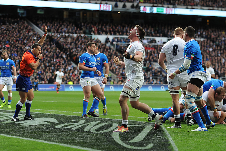 Tom Curry of England celebrates as Jamie George of England scores a try during the Guinness Six Nations match between England and Italy at Twickenham Stadium on Saturday 9th March 2019 (Photo by Rob Munro/Stewart Communications)