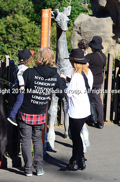 16 May 2012 Sydney, Australia..NON EXCLUSIVE..Nicole Richie and Joel Madden enjoy a morning at the zoo with the kids