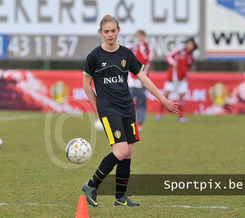 Denmark U17 - Belgium U17 : Margaux Van Ackere.foto DAVID CATRY / Vrouwenteam.be