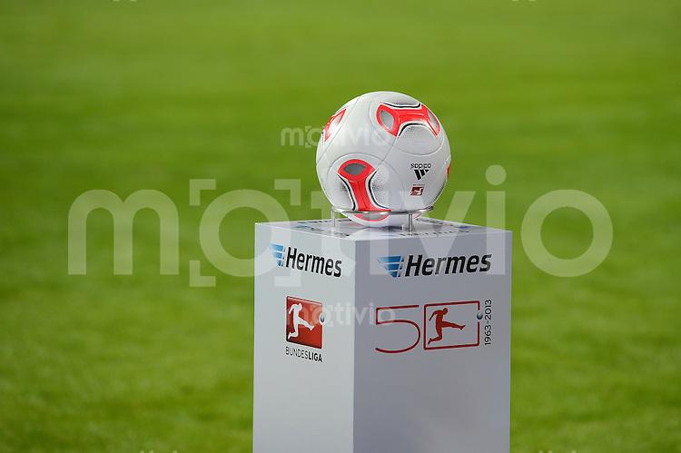 FUSSBALL   1. BUNDESLIGA   SAISON 2012/2013    18. SPIELTAG SV Werder Bremen - Borussia Dortmund                   19.01.2013 Adidas Ball Torfabrik, wird von dem neuen DFL Sponsor Hermes praesentiert