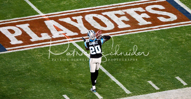 Carolina Panthers cornerback Chris Gamble (20) warms up prior to playing Arizona Cardinals during the NFC Divisional Playoff football game at Bank of America Stadium, in Charlotte, NC. Arizona defeated the Carolina Panthers 33-13.