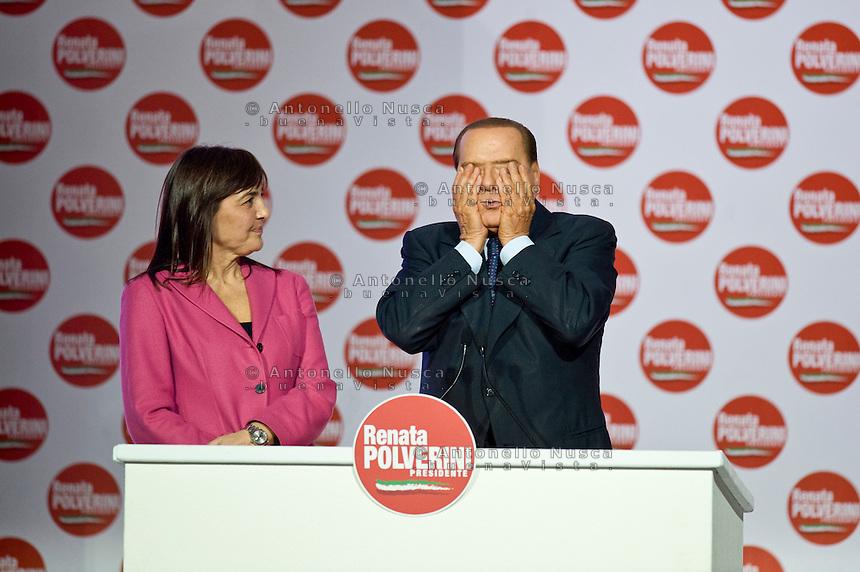 Roma, 26 Marzo, 2010. Silvio Berlusconi durante il suo show alla Chiusura della campagna elettorale per le elezioni regionali di Renata Polverini.
