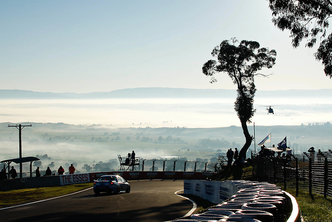 Sunday Morning V8 Supercars Practice sessions at the Supercheap Auto Bathurst 1000, Mount Panorama Raceway