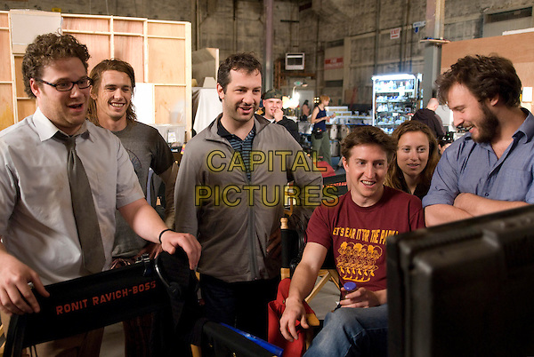SETH ROGEN, JAMES FRANCO, JUDD APATOW, DAVID GORDON GREEN (director), SHAUNA ROBERTSON & EVAN GOLDBERG (writer).on the set of Pineapple Express.*Filmstill - Editorial Use Only*.CAP/FB.Supplied by Capital Pictures.