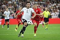 Mats Hummels (D) gegen Robert Lewandowski (POL) - EM 2016: Deutschland vs. Polen, Gruppe C, 2. Spieltag, Stade de France, Saint Denis, Paris