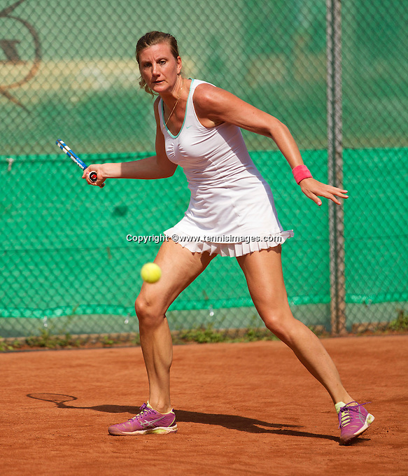 Netherlands, Amstelveen, August 22, 2015, Tennis,  National Veteran Championships, NVK, TV de Kegel,  Lady's 35+,  Linda Sentis<br /> Photo: Tennisimages/Henk Koster