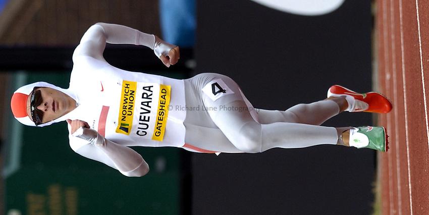 Photo. Richard Lane..Norwich Union British Grand Prix at Gateshead International. 27/06/2004..Ana Guevara in the womens 400m.