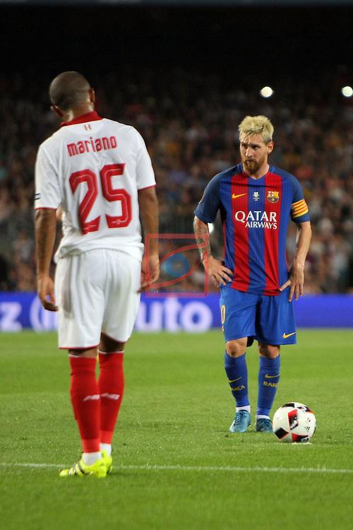League Santander 2016/2017.<br /> Supercopa de Espa&ntilde;a - Vuelta.<br /> FC Barcelona vs Sevilla FC: 3-0.<br /> Ferreira &amp; Lionel Messi.