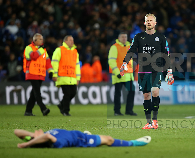 Leicester's Kasper Schmeichel looks on dejected at the final whistle during the Champions League Quarter-Final 2nd leg match at the King Power Stadium, Leicester. Picture date: April 18th, 2017. Pic credit should read: David Klein/Sportimage