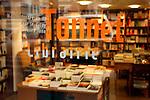 20080109 - France - Aquitaine - Pau<br /> UN DES LIEUX FETICHES DE BAYROU A PAU : LA LIBRAIRIE TONNET.<br /> Ref : LIBRAIRIE_TONNET_006.jpg - © Philippe Noisette.