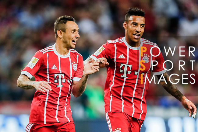 Bayern Munich Defender Rafinha de Souza (L) celebrating his goal with his teammate Bayern Munich Midfielder Corentin Tolisso (R) during the International Champions Cup match between Chelsea FC and FC Bayern Munich at National Stadium on July 25, 2017 in Singapore. Photo by Marcio Rodrigo Machado / Power Sport Images