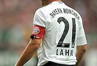 FUSSBALL   1. BUNDESLIGA  SAISON 2011/2012   4. Spieltag 1. FC Kaiserslautern - FC Bayern Muenchen         27.08.2011 Philipp Lahm (FC Bayern Muenchen) mit der Kapitaens Binde