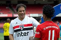 São Paulo (SP), 15/12/2019 - Futebol-Legendscup - Raí e Zé Roberto durante torneio entre as lendas de São Paulo, Barcelona, Bayern e Borussia Dortmund no estádio do Morumbi, em São Paulo (SP), domingo (15).
