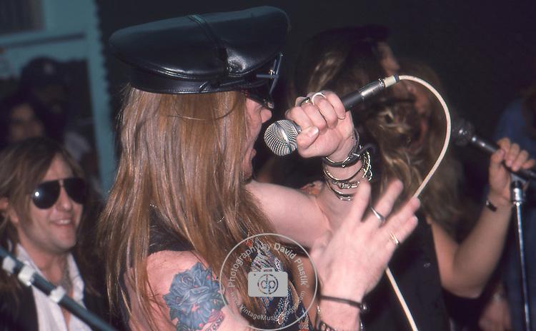 Guns-N-Roses-380.jpg
