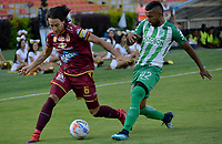 IBAGUÉ- COLOMBIA, 04-02-2018:Rafael Robayo (Izq) jugador del Deportes Tolima  disputa el balón con Christian Mafla (Der) del Atlético Nacional  durante el partido entre el Deportes Tolima  y Atlético Nacional   por la fecha 1 de la Liga Águila II 2018 jugado en el estadio Manuel Murillo Toro . / Rafael Robayo(L) player of Deportes Tolima vies for the ball with Christian Mafla (R) player of Atletico Nacional  during match between Deportes Tolima  and Atletico Nacional   for the date 1 of the Aguila League I 2018 played at Manuel Murillo Toro stadium. Photo: VizzorImage/ Juan Carlos Escobar / Contribuidor