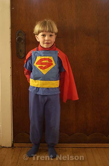 Nathaniel Nelson in his various costumes (La-La, Kung Fu, Batman, Superman, Spiderman, Buzz Lightyear; 04.04.2002, 9:02:42 AM<br />