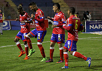PASTO -COLOMBIA, 09-04-2017. Santiago Trellez (Segundo desde Izq) jugador del Deportivo Pasto celebra después de anotar un gol a Independiente Santa Fe durante partido por la fecha 12 de la Liga Águila I 2017 jugado en el estadio La Libertad de Pasto. / Santiago Trellez (Second from L) player of Deportivo Pasto celebrates after scoring a goal to Independiente Santa Fe for the date 12 of Aguila League I 2017 played at La Libertad stadium in Pasto. Photo: VizzorImage / Leonardo Castro / Cont