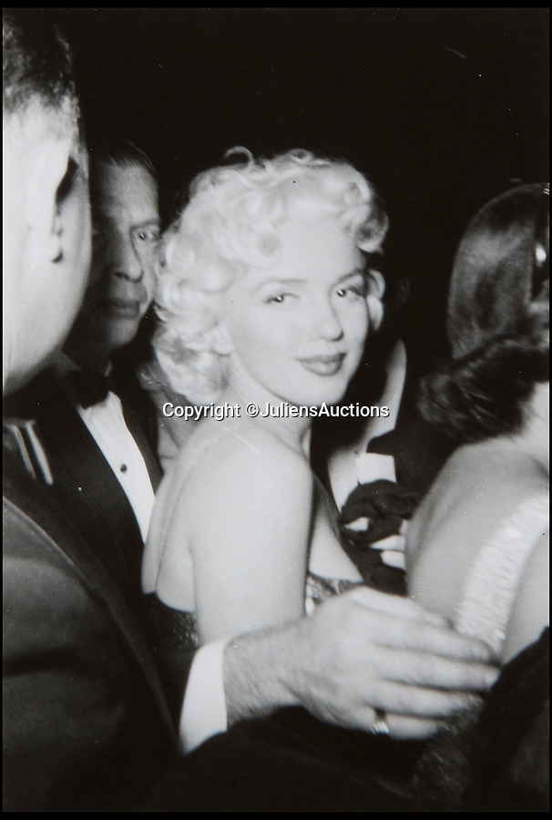 BNPS.co.uk (01202 558833)<br /> Pic: JuliensAuctions/BNPS<br /> <br /> Vintage Black and White candid photos of Marilyn Monroe, these photos come from the estate of Lois Weber.<br /> <br /> A huge archive of candid photographs of screen siren Marilyn Monroe taken by a superfan she befriended has emerged for sale for a staggering £320,000.<br /> <br /> The collection includes more than 550 colour and black and white snaps, some of which have never been seen before, that were taken by fan-turned-friend Freda Hull.<br /> <br /> Monroe was notoriously guarded but welcomed Mrs Hull and her five friends into her inner sanctum, often giving them gifts and even once inviting them for a picnic at her home in Connecticut.<br /> <br /> The archive, which also boasts 150 colour slides, 750 stills from Monroe's films and a collection of personal home movies, is tipped to fetch £320,000 when it goes under the hammer at Julien's Auctions.