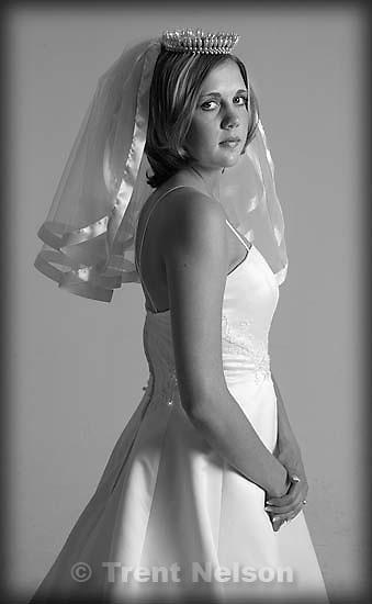 Stephanie wedding photo; 05.05.2002, 7:03:26 PM<br />