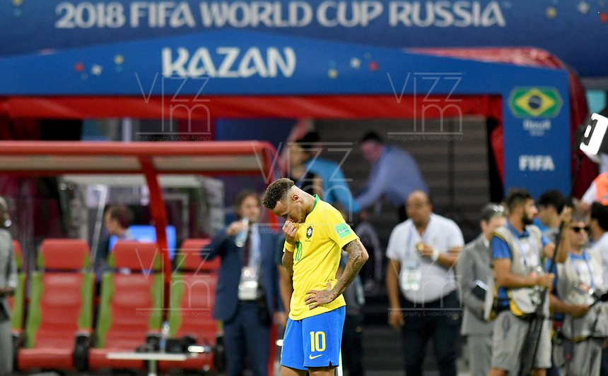 KAZAN - RUSIA, 06-07-2018: NEYMAR jugador de Brasil luce decepcionado después del partido de cuartos de final entre Brasil y Bélgica por la Copa Mundial de la FIFA Rusia 2018 jugado en el estadio Kazan Arena en Kazán, Rusia. / NEYMAR player of Brazil looks disappointed after the match between Brazil and Belgium of quarter final for the FIFA World Cup Russia 2018 played at Kazan Arena stadium in Kazan, Russia. Photo: VizzorImage / Julian Medina / Cont