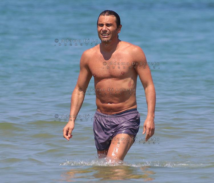 Antonio Conte, Trainer of the italian team soccer, during his holiday in Pescara, Abruzzo, on July, 2015. Photo: Di Loreto/Lattanzio/BuenaVista*Photo