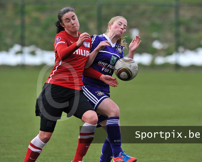RSC Anderlecht Dames - PSV / FC Eindhoven : Manon Van Den Boogaard in duel met Jana Coryn (rechts).foto David Catry / Vrouwenteam.be