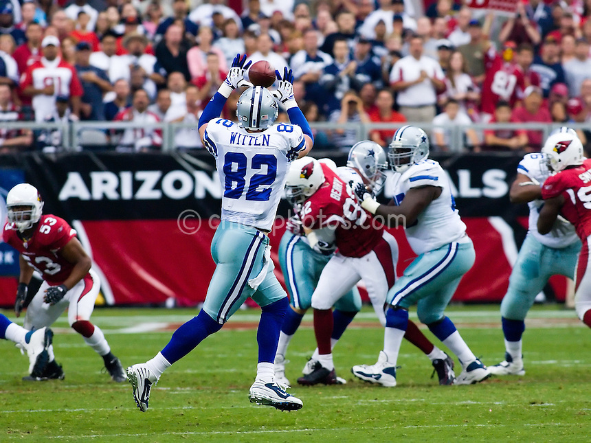 Oct 12, 2008; Glendale, AZ, USA; Dallas Cowboys tight end Jason Witten (82) attempts to catch a pass in the first quarter of a game against the Arizona Cardinals at University of Phoenix Stadium.  The Cardinals won the game 30-24 in overtime.