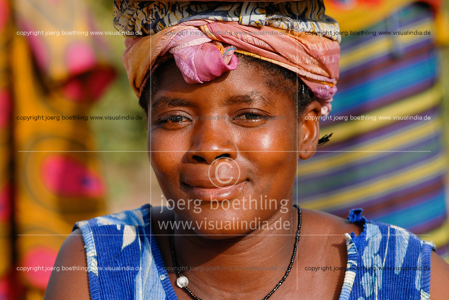 MALI, Bougouni, woman with headscarf