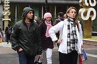 SAO PAULO, 17 DE JULHO DE 2012 - CLIMA TEMPO SP - Manha  de baixas temperaturas na capitalna Avenida Paulista, regiao central, nesta quinta feira. FOTO: ALEXANDRE MOREIRA - BRAZIL PHOTO PRESS