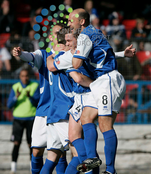 Mark Ramsay scores the first goal for Cowdenbeath during the Cowdenbeath v Dundee Picture: Universal News And Sport (Scotland). 25 September 2010...