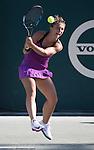Sara Errani (ITA) defeated Samantha Stosur (AUS) 6-4, 7-6