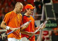 05-03-2006,Swiss,Freibourgh, Davis Cup , Swiss-Netherlands, Peter Wessels-Dennis van Scheppingen in actiie tegen Yves Allegro-George Bastl