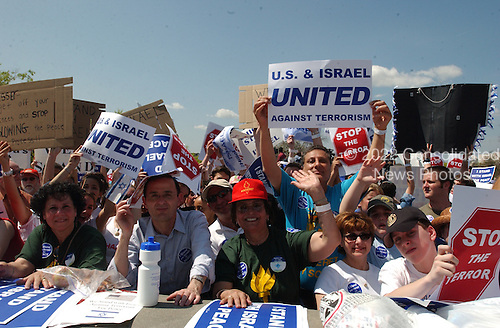 Washington, DC - April 15, 2002 -- Rally for Israel on the West Front of the United States Capitol on Monday, April 15, 2002.  .Credit: Ron Sachs / CNP