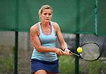 2018-06-19 / Tennis / Seizoen 2018 / Elfje Willemsen aan het werk op het tornooi van de Kastelse Tennisclub<br /> <br /> ,Foto: Mpics