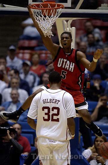 Utah vs. Oklahoma, NCAA mens basketball tournament, at the University of Arizona.&amp;#xA;; 3.19.2005<br />