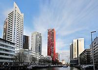 Rotterdam- Hoogbouw in het centum. In het midden The Red Apple