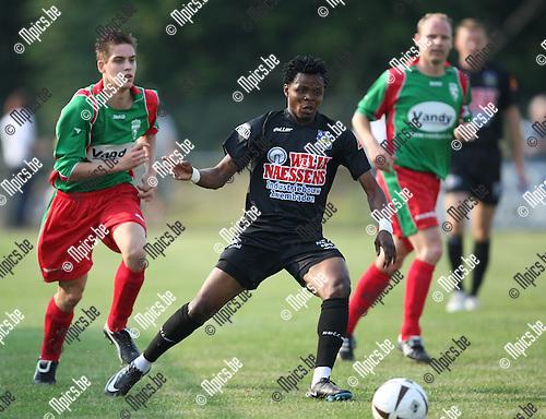 2009-06-27 / Voetbal / Houtvenne - KVC Westerlo / Emmanuel Sarki (Westerlo)..Foto: Maarten Straetemans (SMB)